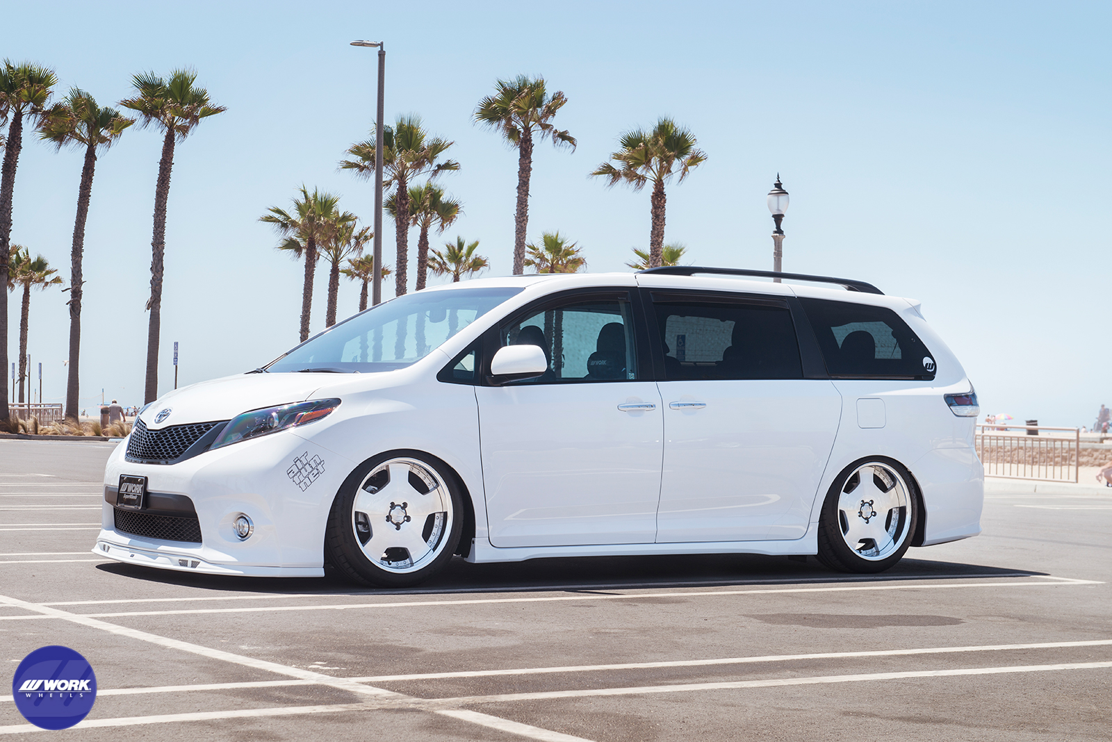 "Toyota Sienna SE on WORK Lanvec LD1 20"" (MSP)"