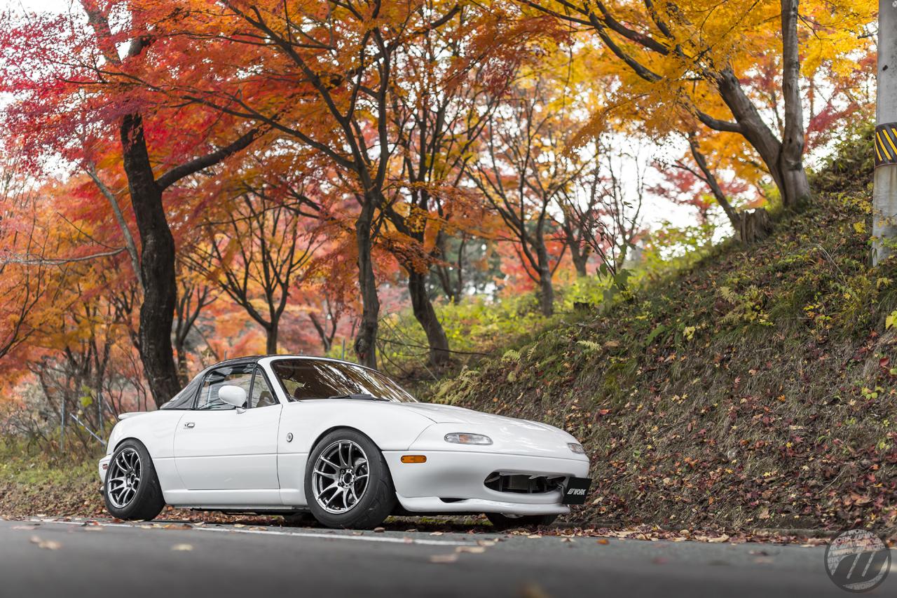 SMALL CAR Mazda Miata on WORK Emotion CR Kiwami in GT Silver (GTS) Finish – Photo by WORK Wheels Japan